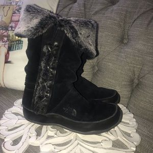 The North Face Winter Faux Fur Boots Woman's 9